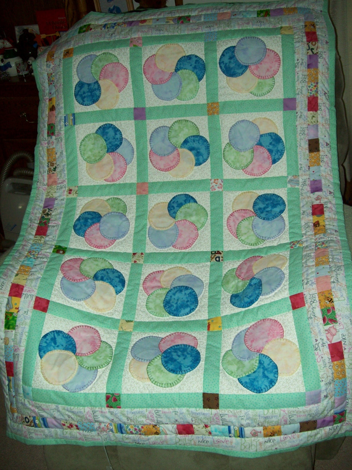 Hand Quilting Patterns For Baby Quilts : Baby Quilt Hand Pieced Hand Quilted Hand Appliqued 34 x