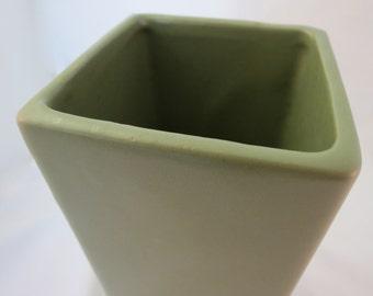 """Vintage McCoy """"floraline"""" olive green square top vase. C. 1960's"""
