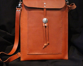 Handcrafted messenger bag for your laptop