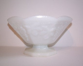Vintage Milkglass Fruit Bowl
