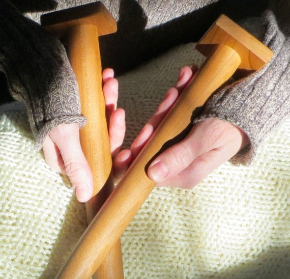 Knitting Patterns For Jumbo Needles : Handmade Cherry Wood Jumbo Giant Knitting by TheWildWillows