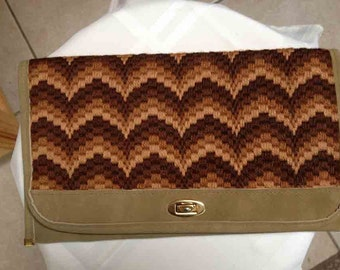 Knitted Patterned Brown Tone Clutch