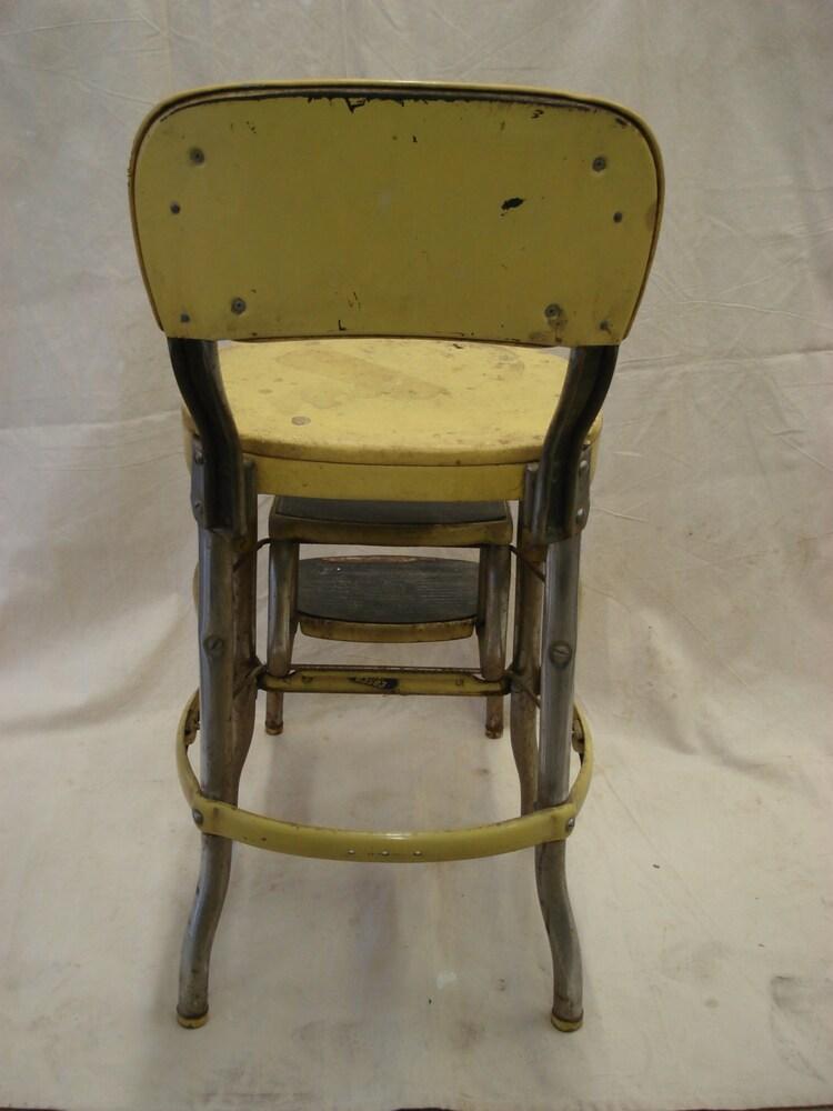 Vintage m tal jaune pliage costco chaise escabeau par for Chaise escabeau