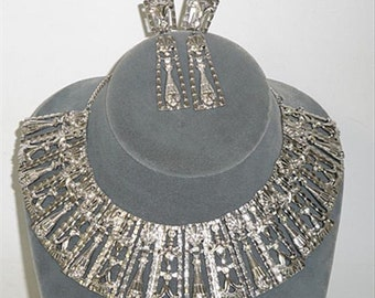 Mosell Silvertone Clown Bib Collar Necklace & Earrings cs113-0173