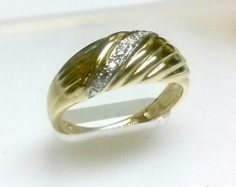 Brand New -----  Diamond Ring in 14 K Yellow Gold  ----- ON SALE