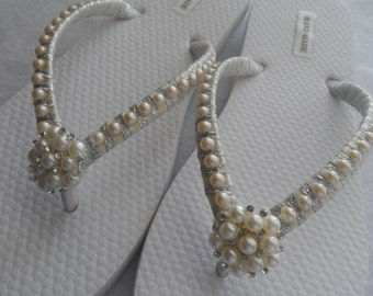 Bridal Ivory Flip Flops / Wedding Pearls Flip Flops /Rhinestones & Pearls Flip Flops /Bridesmaids Flip Flops / Bridal Sandals /Wedding Shoes