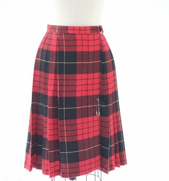 Vintage Kilt, Tartan Plaid Skirt, Wool Kilt, Preppy Plaid Skirt, Women's Kilt, Scottish Kilt, Clyde Kilt, Vintage Skirt, Red Skirt,