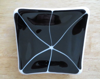 Fused glass dish in black and white layered glass for trinkets, jewelry holder, soap dish or spoon rest