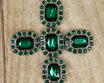 Emerald Green Rhinestone Buttons -10 Acrylic Rhinestone Buttons Surrounded by smaller same color Emerald Green rhinestones - 25mm