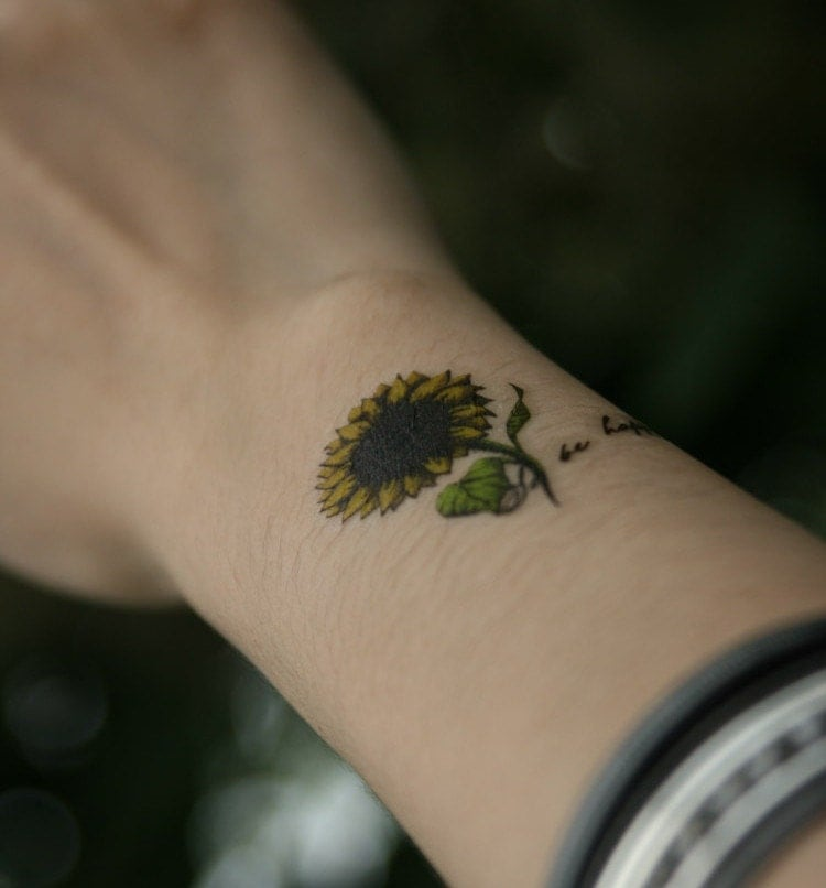 Yellow sunflower design temporary tattoo tattoo stickers for Sunflower temporary tattoo
