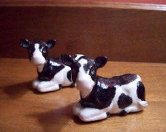 Vintage Hand Painted Cow Motif Salt and Pepper Shakers