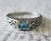 Delicate Swirl Ring with Blue Stone Sterling Silver Vintage Band