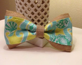 """Lilly Pulitzer burlap bow with """"Shells and Seaweed"""" fabric"""