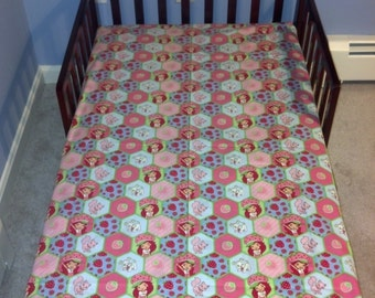 Strawberry shortcake fitted crib/toddler sheet