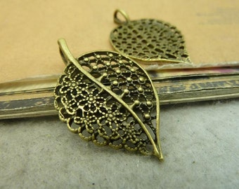 20pcs 23x38mm Antique bronze leaf charm, leaves pendant tray Jewelry findings BC4635
