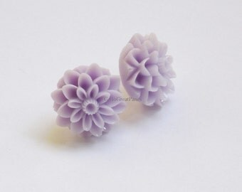 Metal Free Light Purple Mum Earrings, Chrysanthemum Earrings, nonmetal, all plastic, metal allergies or sensitive ears, Spring / Easter