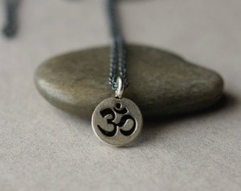 Om Charm Necklace, Ohm Pendant, Yoga Jewelry, Oxidized Silver Chain, Om Jewelry, Minimal Jewelry, Pendant Necklace, Spiritual Jewelry