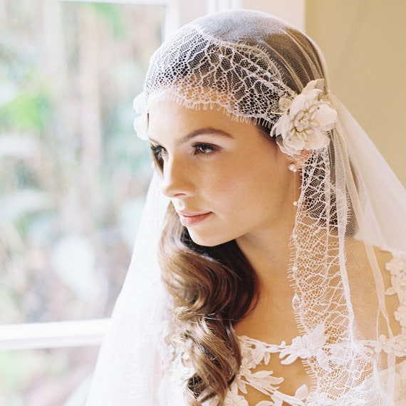 Long Wedding Hairstyles With Veil: Silk Tulle Bridal Veil Blusher Veil Lace By