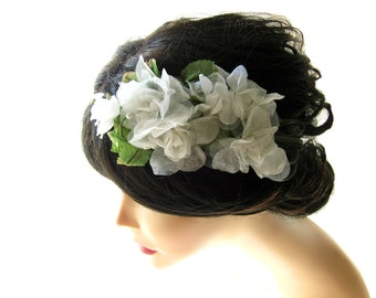 white flower headband, wedding head piece, bridal hair accessories, wedding flower head wreath