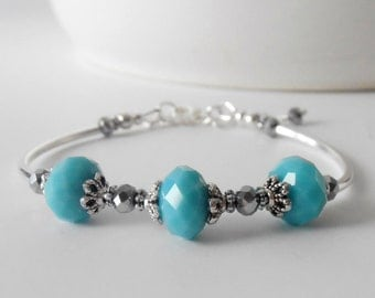 Pretty Turquoise Glass Bead Bracelet Everyday Bracelet Casual Bling Aqua Beaded Jewelry Gift for Sister Casual Jewelry Antiqued Silver