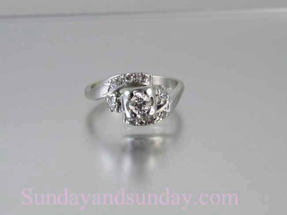 Vintage estate 14k white gold .28 ct diamond bypass style wedding anniversary engagement ring