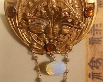 Victoria secrets - Vintage brooch 1900-1909