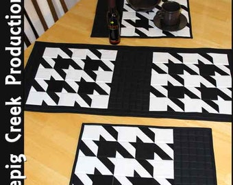 Classic Table Runner and Placemats