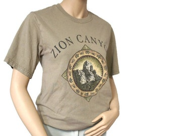 Vintage Tee Shirt Womens T Shirt Top Khaki Zion Canyon Southwest Army Green Size Small