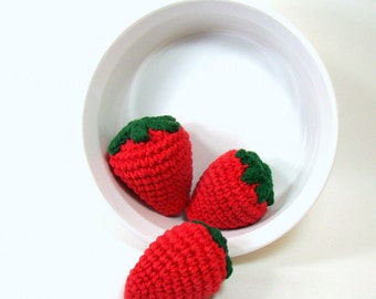 Crochet Strawberries Pretend Play Food, Play Kitchen Food Kids Toy, Stuffed Fruit Montessori Toy for Kids, Strawberry Kitchen Decor Set of 3