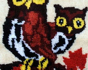 Vintage 1970s Owls Wall Hanging - Latch-hook Rug