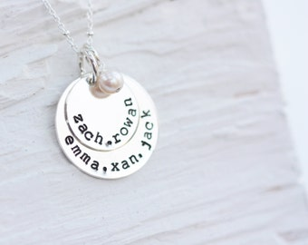 Kids Names Necklace with Pearl, Children Names Necklace, 5 Names Necklace, Five Names Necklace, New Mom Necklace, Mothers Necklace, 4 names