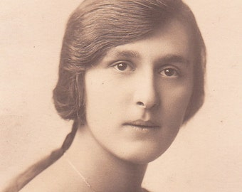 Photo of a Somber Beauty
