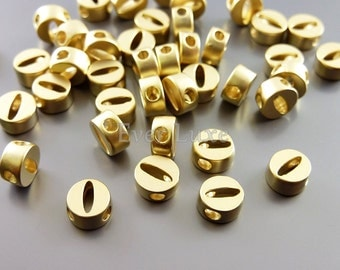 2 Lower case letter o, matte gold initial beads, initial charms, alphabet beads, personalized jewelry 1947-MG-O (matte gold, o, 2 pieces)