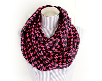 Fuchsia and Black Houndstooth Flannel Infinity Scarf, Striking Hot Pink Pixelated Pattern Winter Accessory