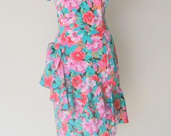 Vintage 1980s Floral Ruffled Short Sleeved Shift Dress M