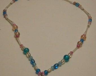 Necklace beaded hand craftedJ153