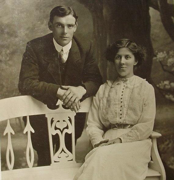 Vintage / Antique Photograph - Young Couple