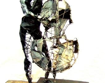 Wire Sculpture of Jazz Bass Player