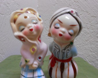Gypsy Kissing Salt & Pepper Set RARE Form Vintage 30s-40s Over The Top Cute - Large Sized Shakers/ Cake Toppers