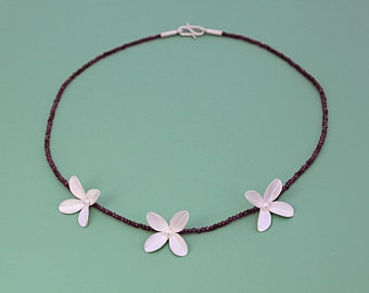 """Necklace """"Three Flowers"""" silver and garnet"""