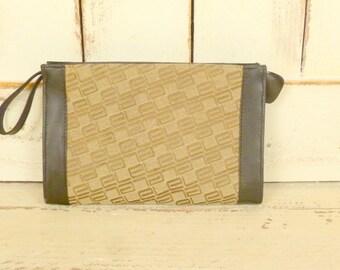 Vintage brown clutch/brown wristlet purse