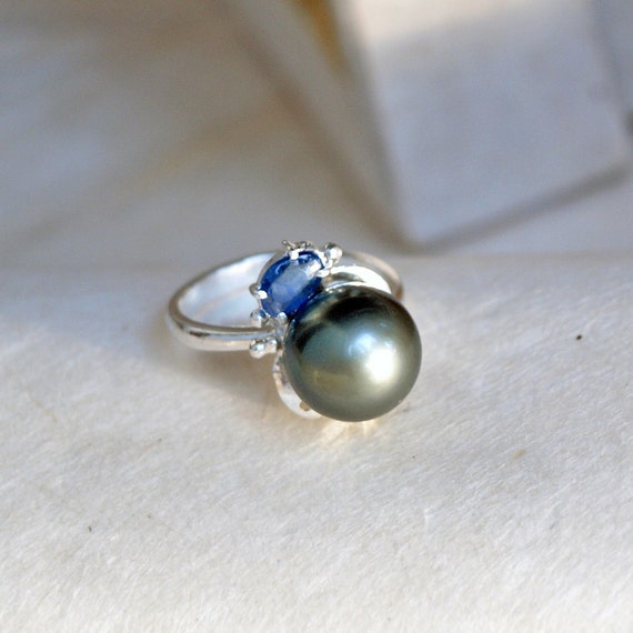 Sapphire Tahitian Pearl Ring