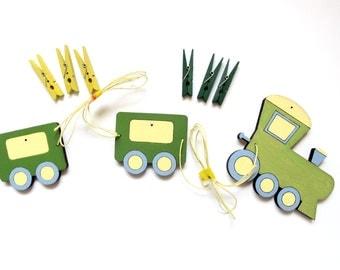 Children's artwork display hanger Train, angine green yellow wall art