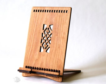 Wood Celtic Stand for iPad, iPad 2, New iPad, and iPad Mini