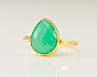 Mint Green Chrysoprase Ring - Gemstone Ring - Stacking Ring - Gold Ring - Tear Drop Ring - Solitaire Ring