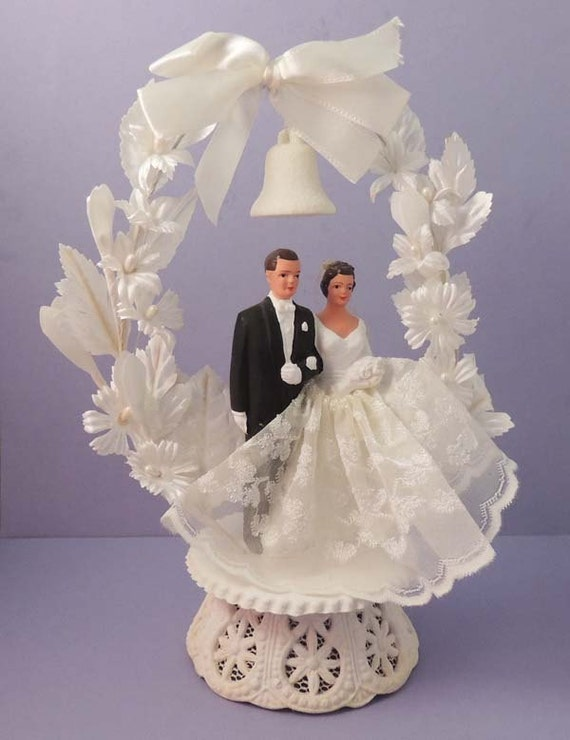 vintage bride and groom wedding cake topper collectible cake. Black Bedroom Furniture Sets. Home Design Ideas