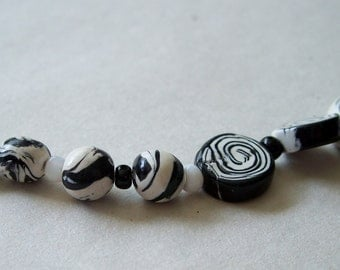 Black and White Polymer Bead Set, Swirly Black and White
