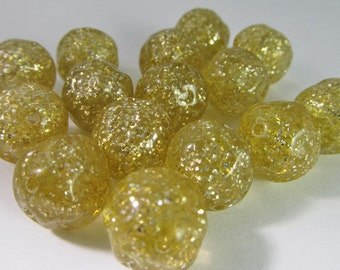 16 Vintage 14mm Gold Lucite Glitter Nugget Beads Bd909