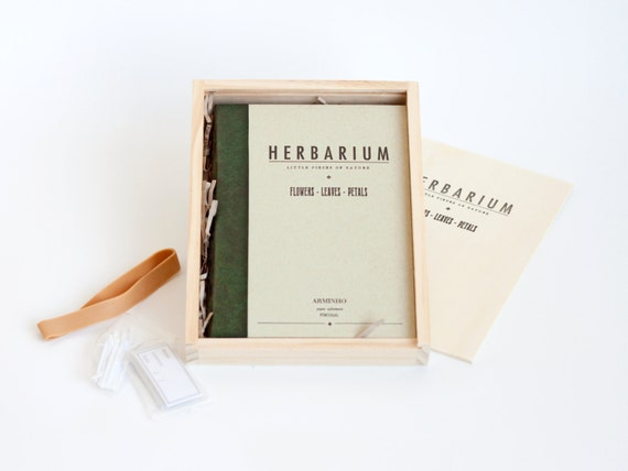 HERBARIUM wood box - folder book - olive - flowers - leaves - petals - plants - vintage design HERB6001GB