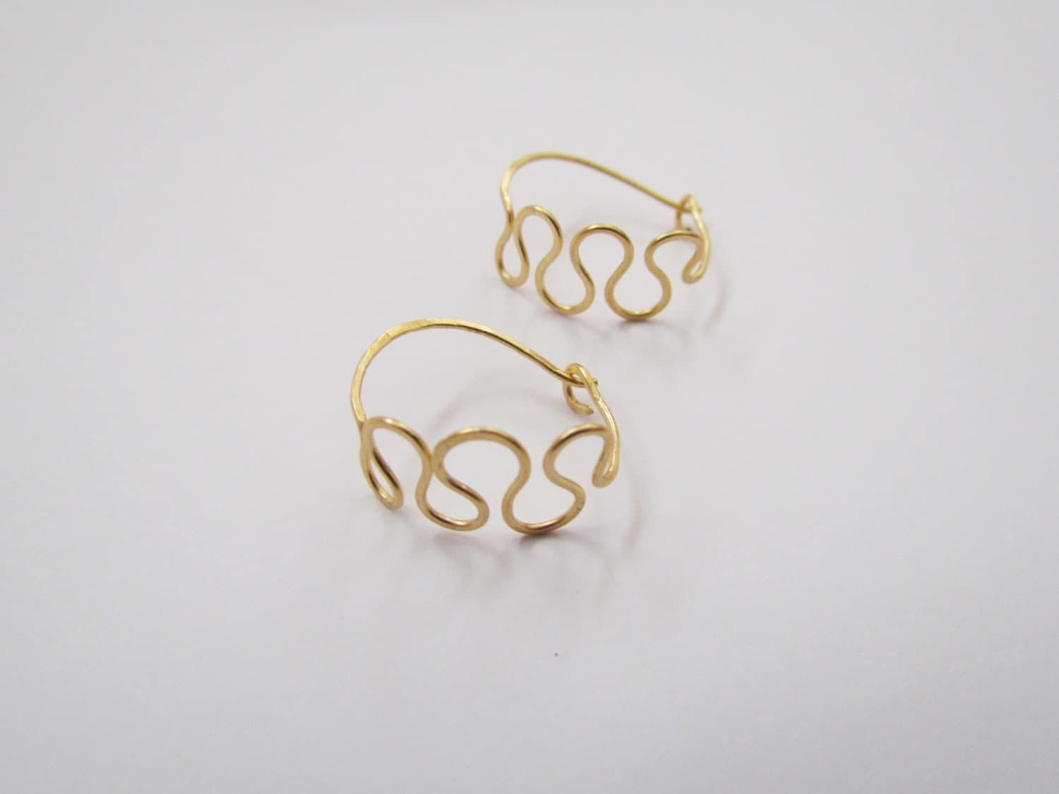 Wiggle Hoop Earrings. Artisan Small Hoops. Dainty Elegant Wavy Hoop. Custom Finish Israel Minimalist Jewelry